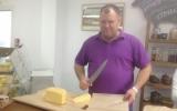 Хозяин сыроварни всегда приветливо встретит гостей:)